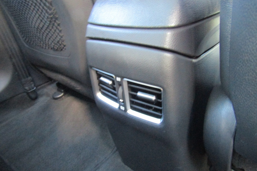 2013 MY14 Hyundai i30 GD2 Premium Hatchback Image 8