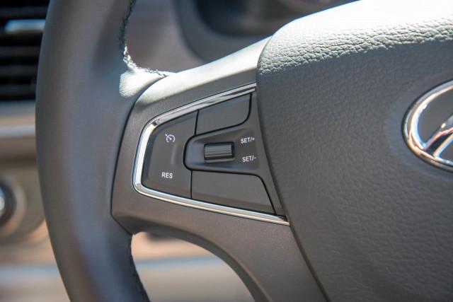 2021 LDV G10 SV7A 9 Seat Wagon