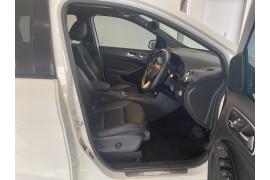 2015 MY06 Mercedes-Benz B-class W246 806MY B200 d Hatchback Image 5
