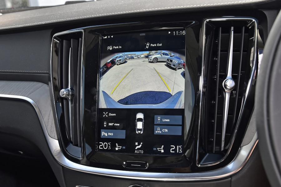 2020 Volvo S60 Z Series T5 Inscription Sedan Mobile Image 17