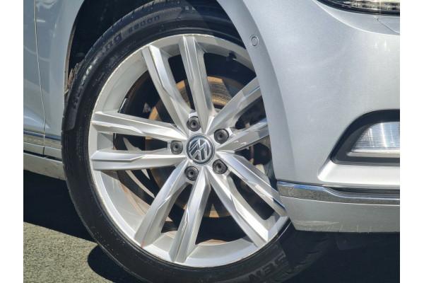 2016 MY17 Volkswagen Passat 3C (B8) MY17 140TDI DSG Highline Sedan Image 3