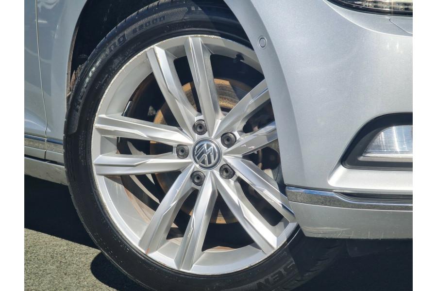 2016 MY17 Volkswagen Passat 3C (B8) MY17 140TDI DSG Highline Sedan