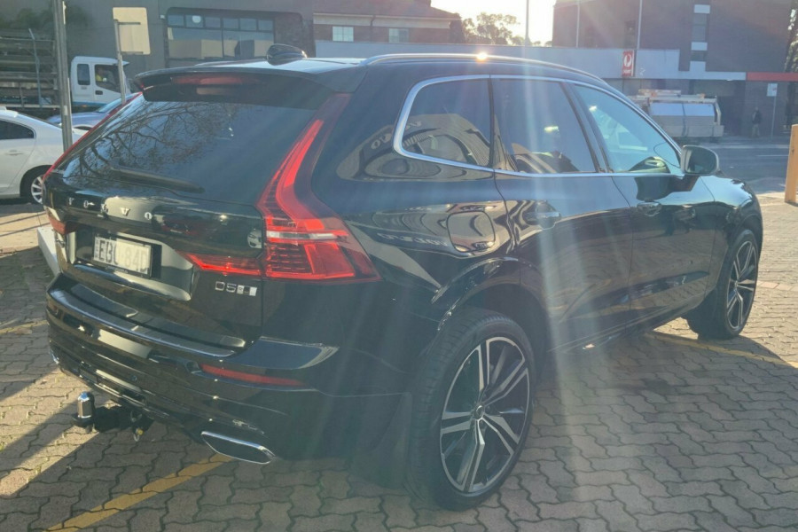 2018 MY19 Volvo XC60 246 MY19 D5 R-Design (AWD) Suv Mobile Image 4