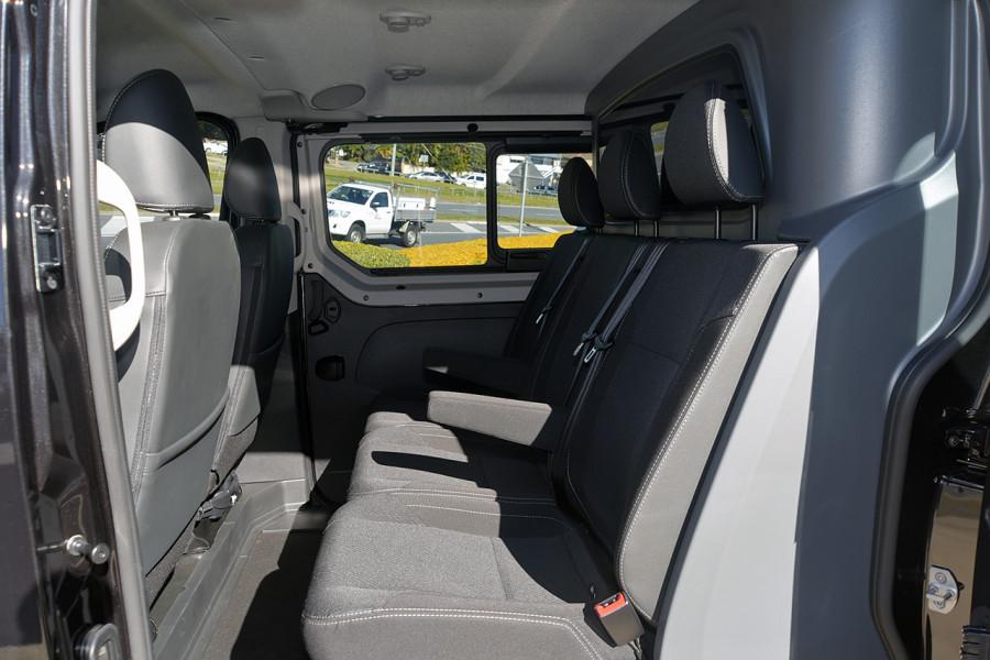 2019 Renault Trafic L2H1 Crew Van Mobile Image 7