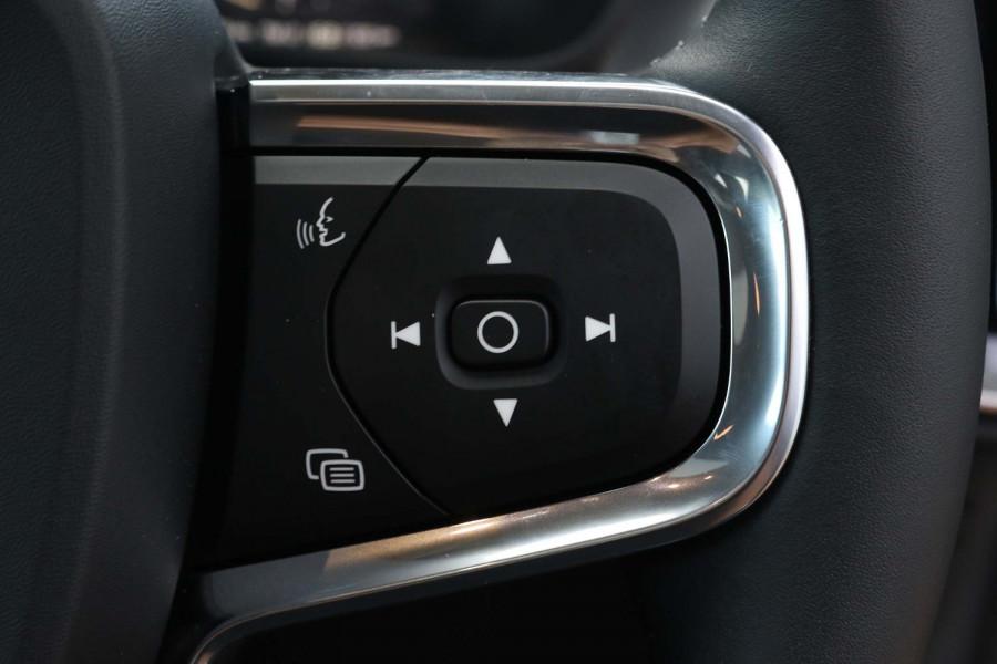 2021 MY20 Volvo XC40 XZ T4 Momentum Suv Image 19
