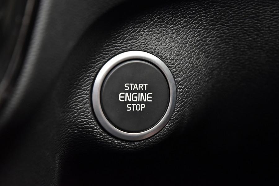 2020 Volvo XC40 XZ T5 R-Design Suv Mobile Image 18