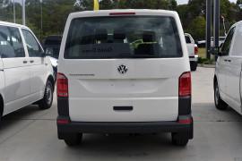 2019 Volkswagen Transporter T6 SWB Crewvan Van Image 3