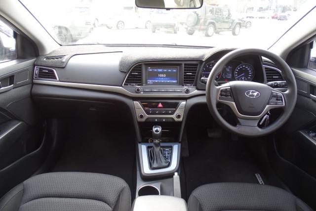 2016 Hyundai Elantra Active 15 of 27