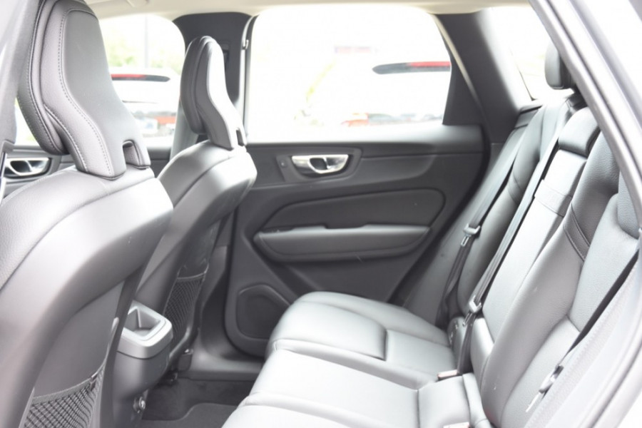 2019 MY20 Volvo XC60 UZ T5 Momentum Suv Image 7