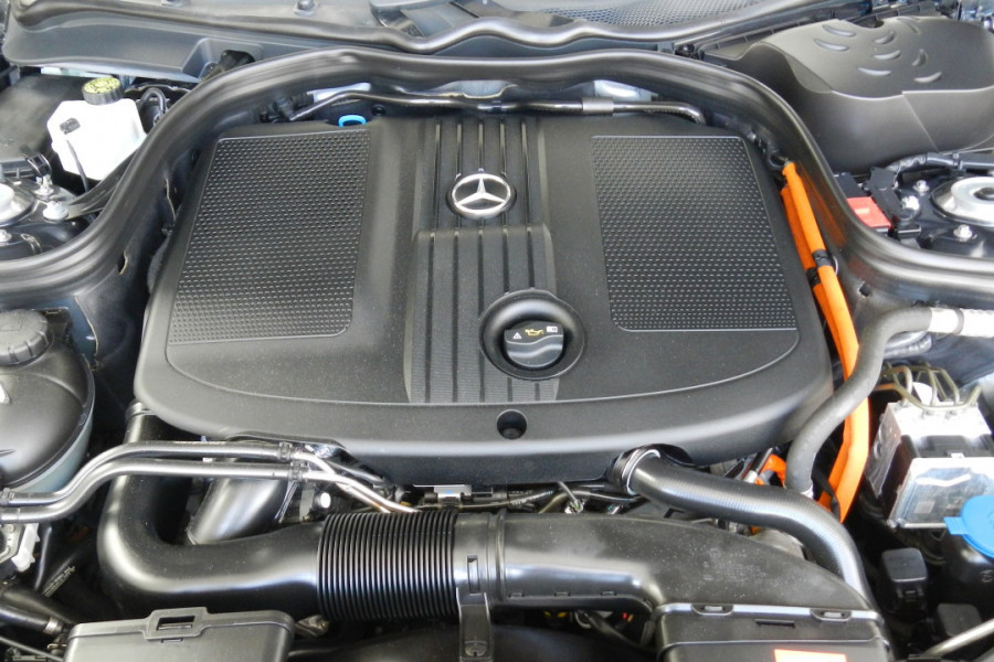 2013 Mercedes-Benz E300 W212 MY13 BlueTEC Sedan Mobile Image 19