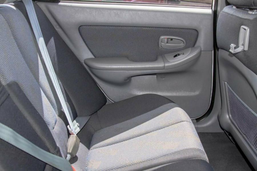 2005 Hyundai Elantra XD 05 Upgrade 2.0 HVT Hatchback Image 7