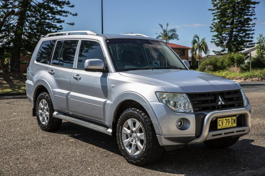 2010 Mitsubishi Pajero NT  GLX Suv