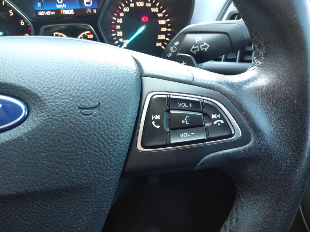 2017 Ford Escape ZG AMBIENTE Suv Image 13
