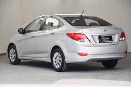 2014 Hyundai Accent RB2 Active Sedan Image 3