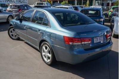 2005 Hyundai Sonata NF Elite Sedan Image 3
