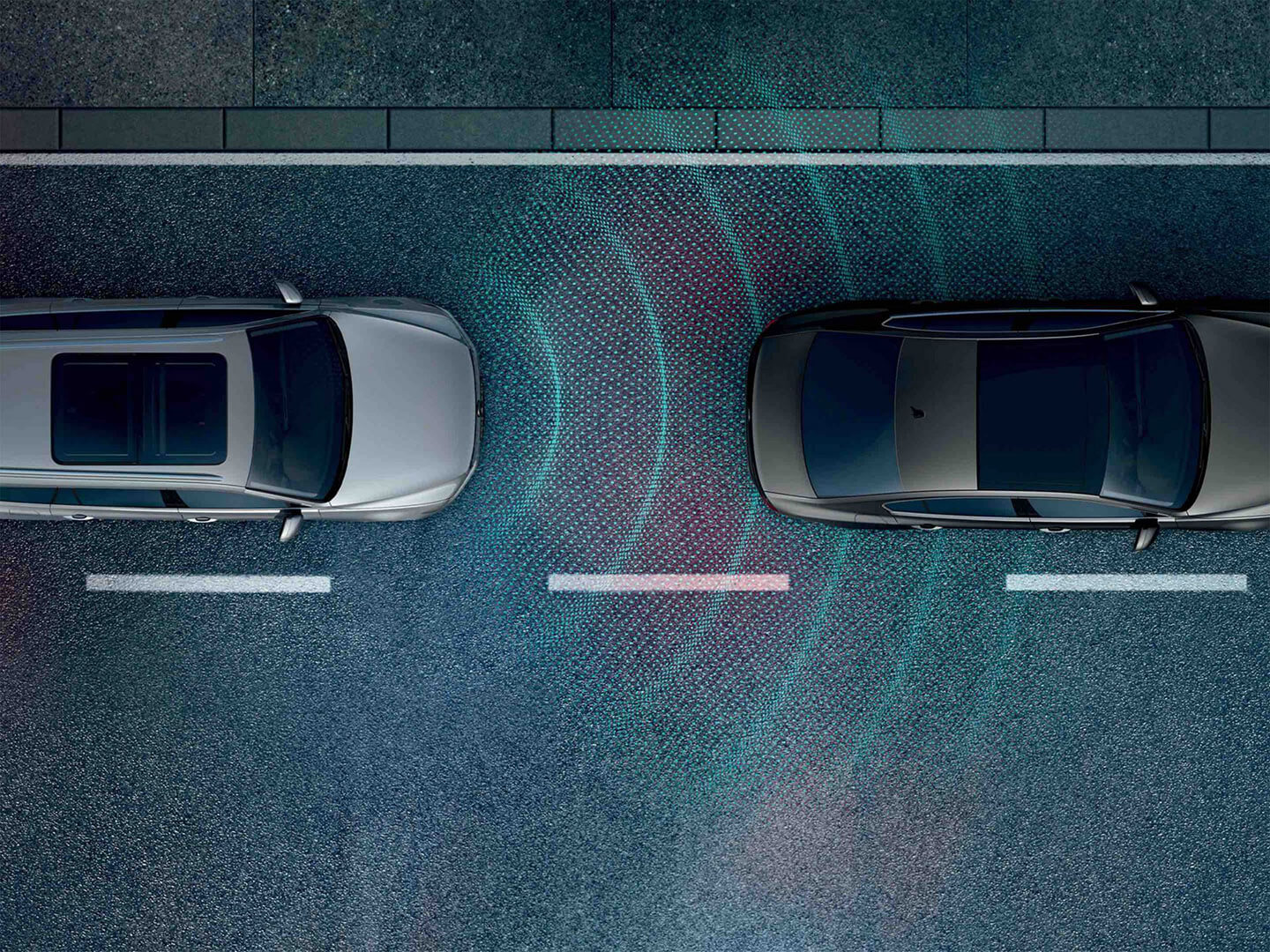 Stress-free on the highway Front Assist and Adaptive Cruise Control Image