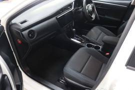 2016 Toyota Corolla ZRE172R ASCENT Sedan Image 5