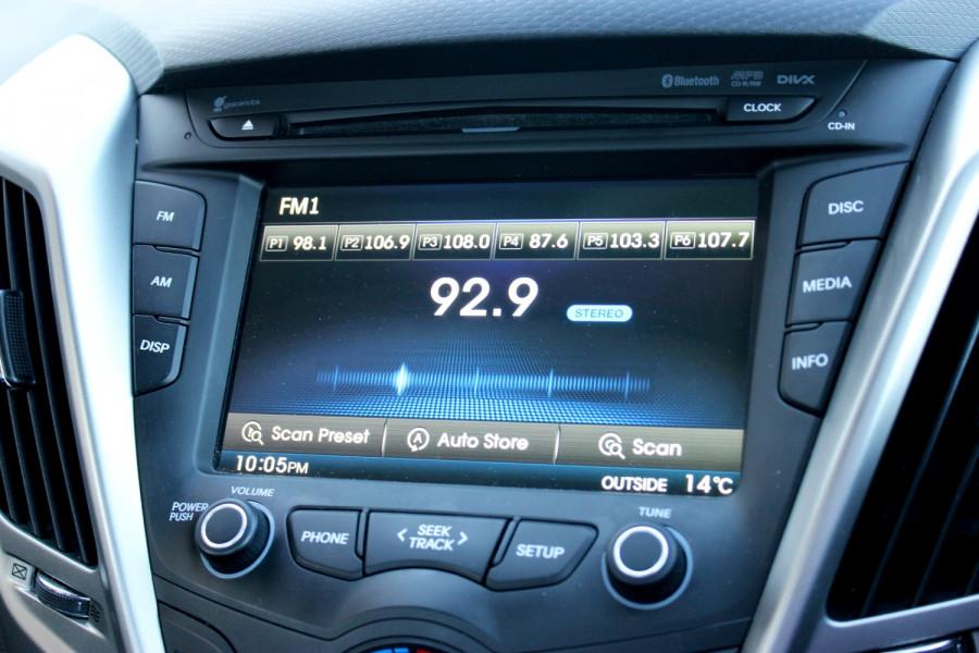 2012 Hyundai Veloster FS Hatchback Image 12