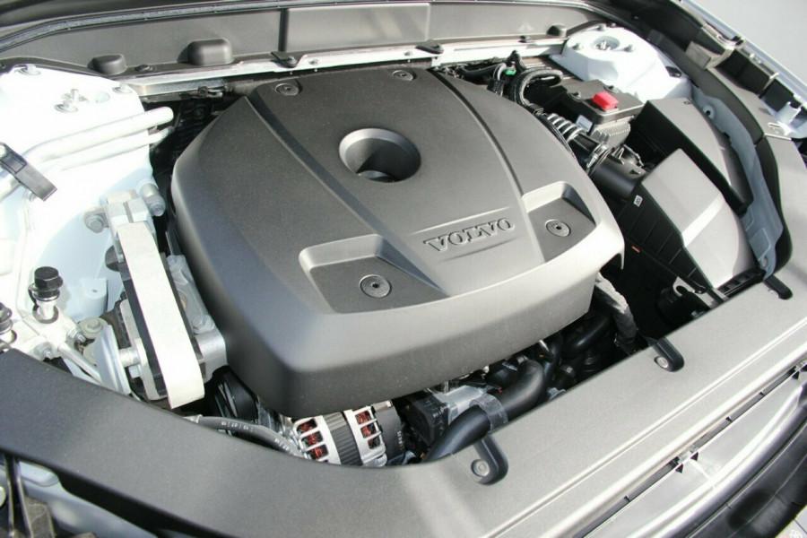 2018 Volvo XC60 UZ T6 R-Design (AWD) Suv Mobile Image 19