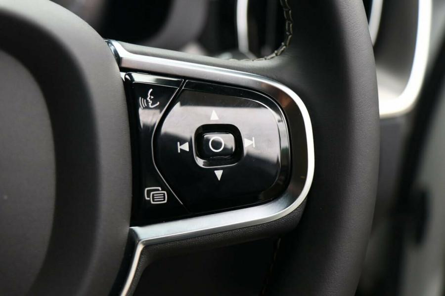 2020 Volvo XC60 UZ T6 R-Design Suv Image 12