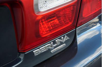 2001 Holden Berlina VX II Sedan Image 5