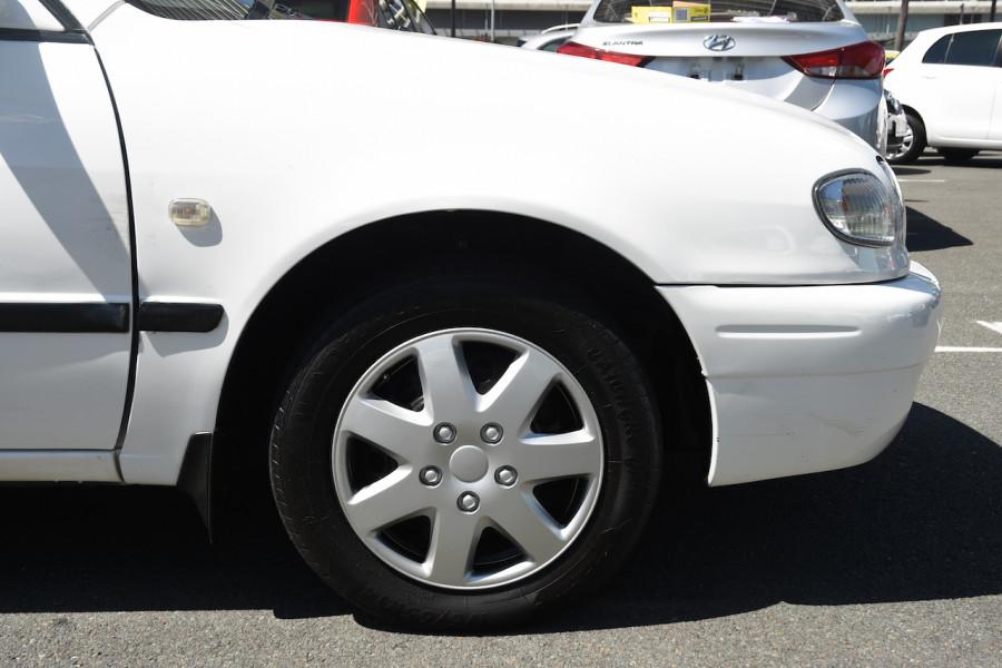 2001 Toyota Corolla AE112R Ascent Ute Image 5