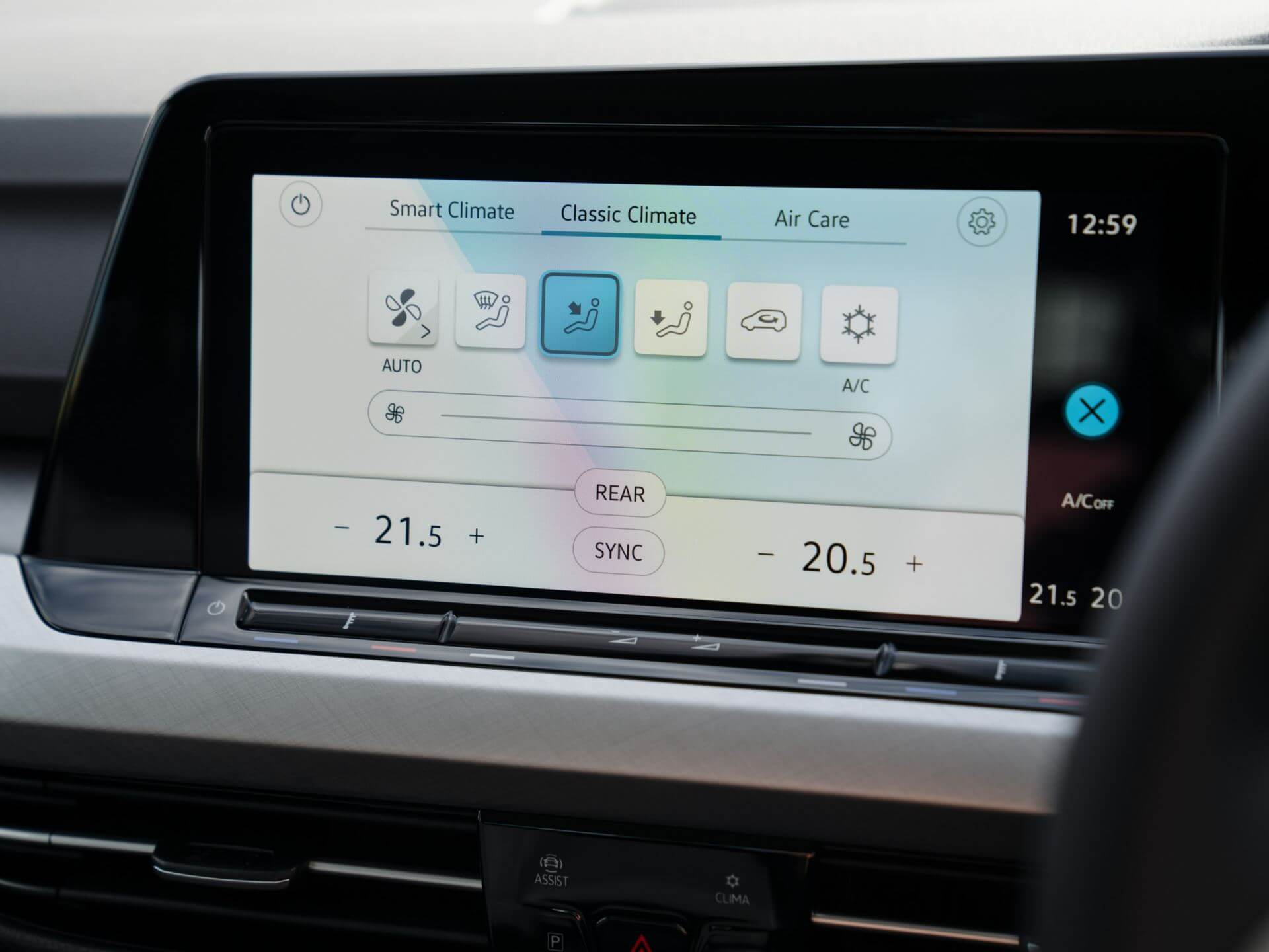 Ready, whatever the weather 3-Zone Climate Control Image