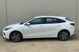 2019 Kia Cerato Hatch BD Sport Hatchback Image 3