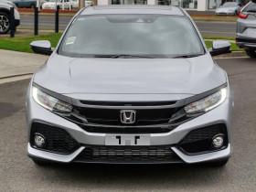 Honda Civic Hatch VTi-LX 10th Gen