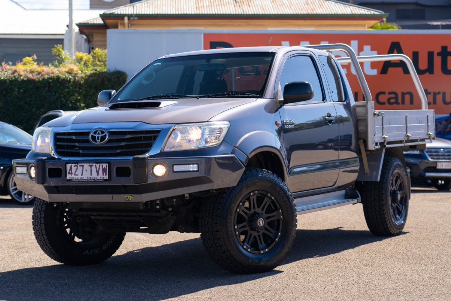 2014 Toyota HiLux Cab chassis