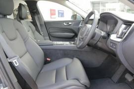 2018 MY19 Volvo XC60 UZ D4 AWD Momentum Suv
