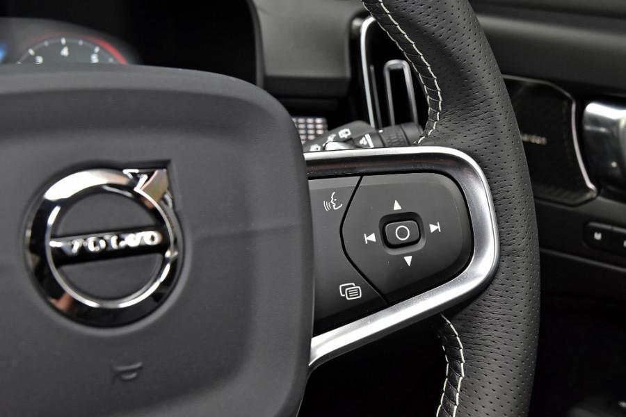 2020 Volvo XC40 XZ T5 R-Design Suv Mobile Image 23