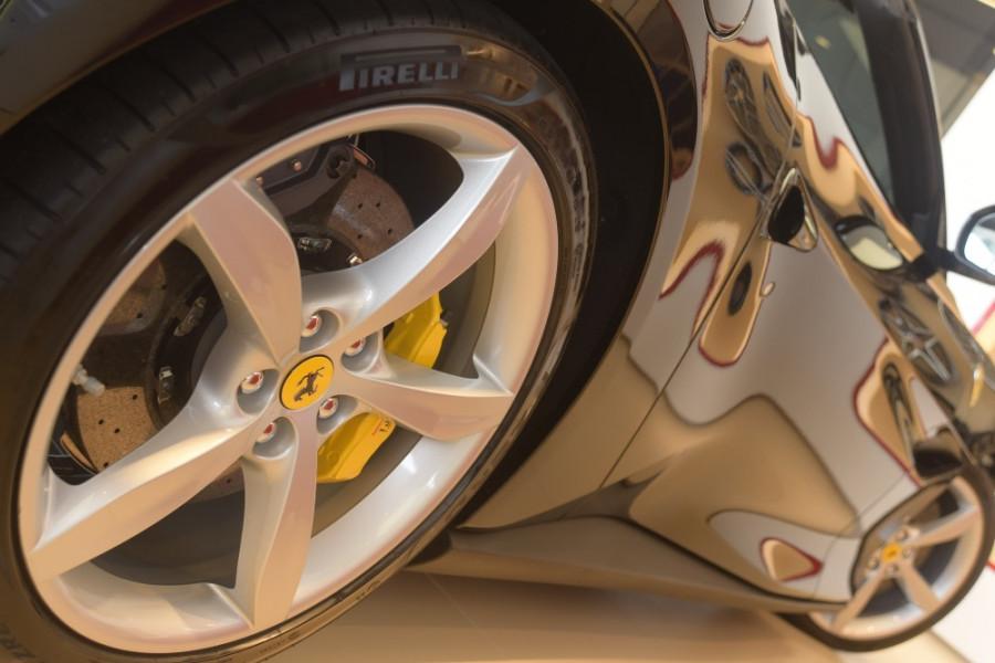 2018 Ferrari Portofino Convertible Mobile Image 17