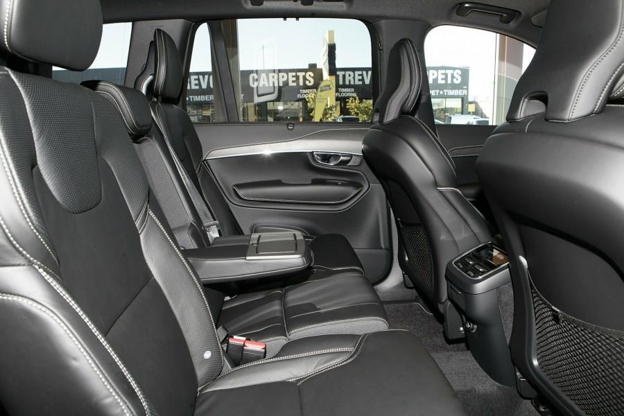 2019 Volvo XC90 L Series T6 R-Design Suv Mobile Image 8