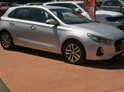 2017 MY18 Hyundai i30 PD Active Hatchback Image 3