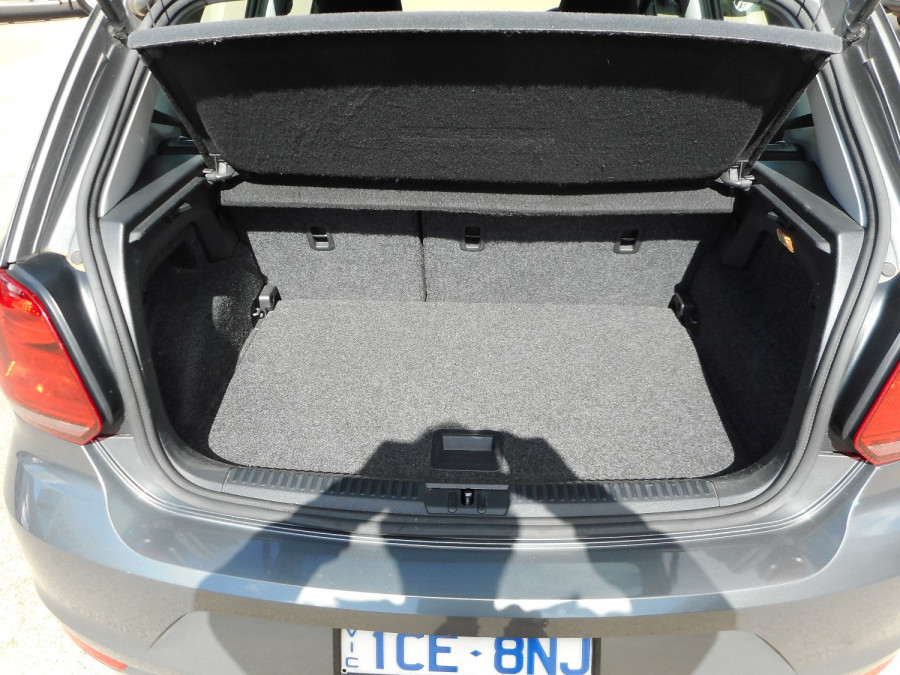 2015 Volkswagen Polo Hatchback Image 9