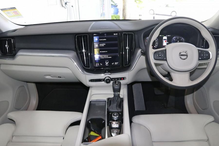 2020 MY21 Volvo XC60 UZ D4 Momentum Suv Image 16