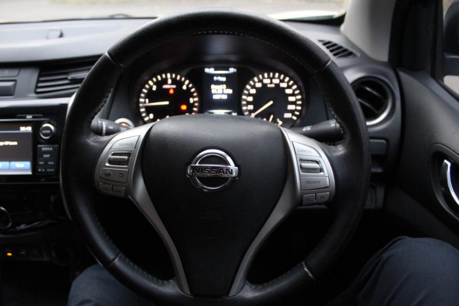 2017 Nissan Navara ST-X Image 21