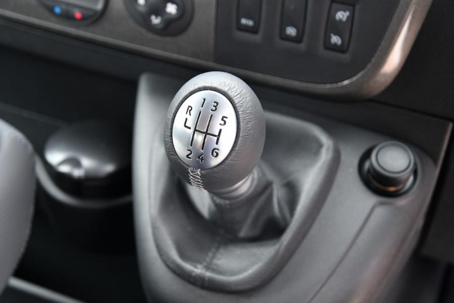 2019 Renault Master Cab Chassis X62 Dual Cab Dual cab Image 14