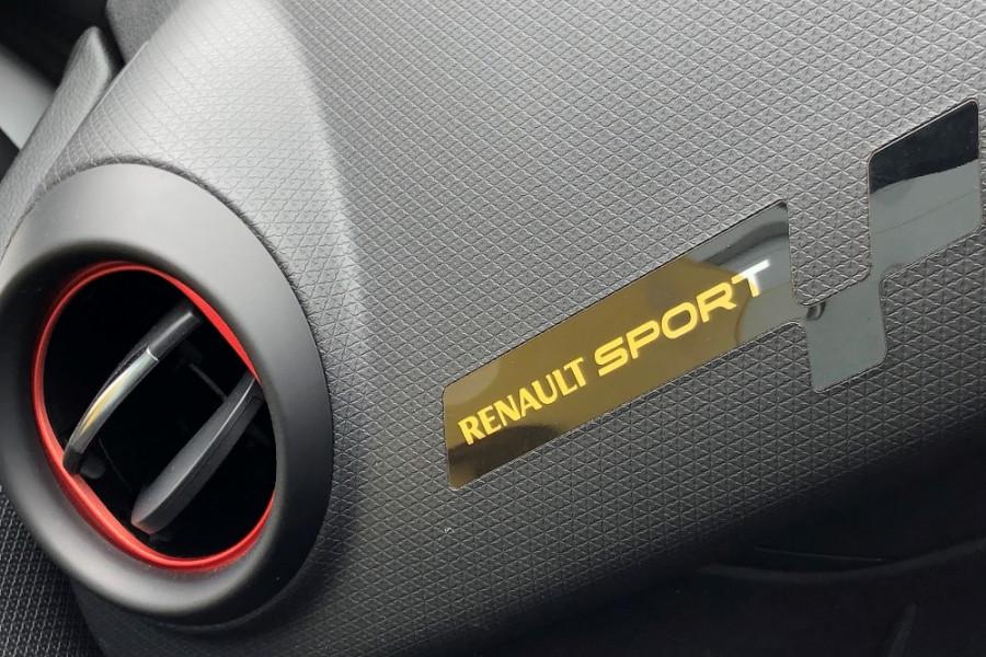 2017 Renault Clio IV B98 Phase 2 R.S. 200 Hatch Image 11
