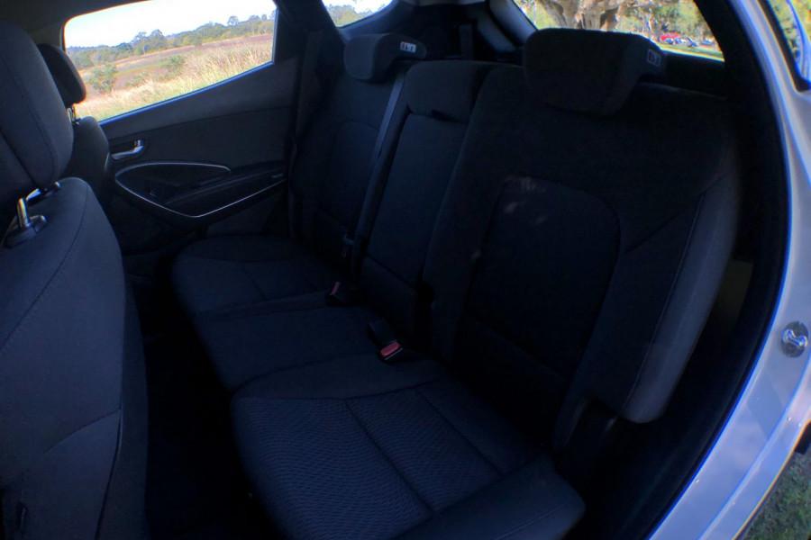 2017 MY18 Hyundai Santa Fe DM5 Series II Active Suv Mobile Image 13