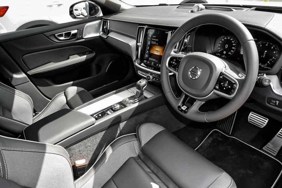 2019 Volvo V60 (No Series) MY20 T5 R-Design Wagon Mobile Image 5