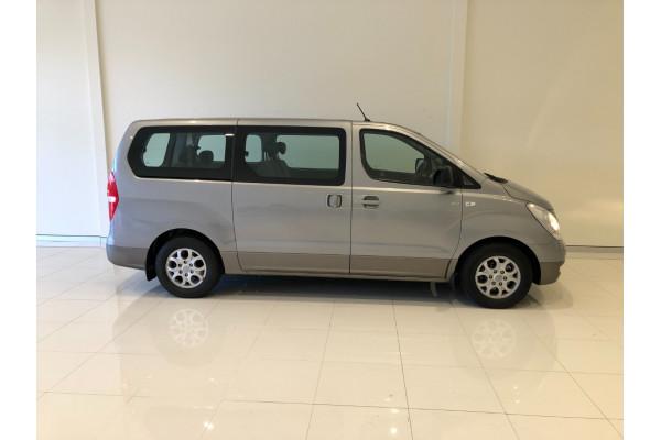 2014 Hyundai Imax TQ-W Wagon Image 2