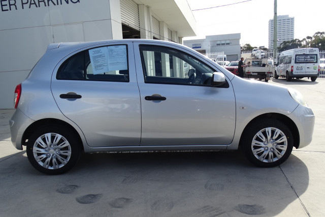 2011 Nissan Micra ST-L 9 of 30