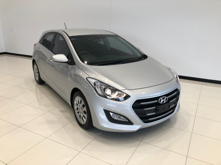 2016 Hyundai i30 GD3 Series II Active Hatchback Image 1