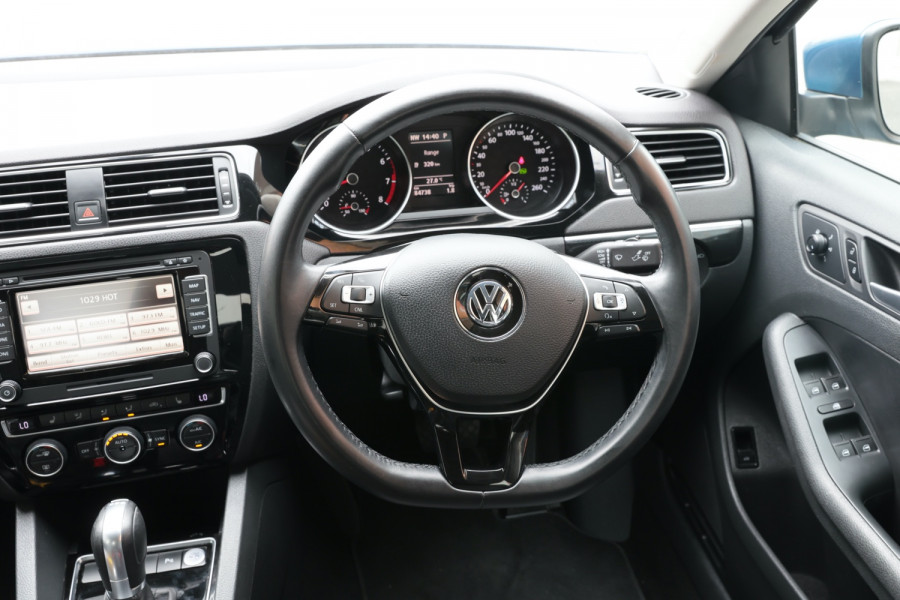 2015 Volkswagen Jetta 1B MY15 118TSI Sedan Image 9
