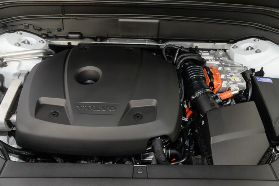 2018 MY19 Volvo XC90 L Series T8 R-Design Suv Mobile Image 20