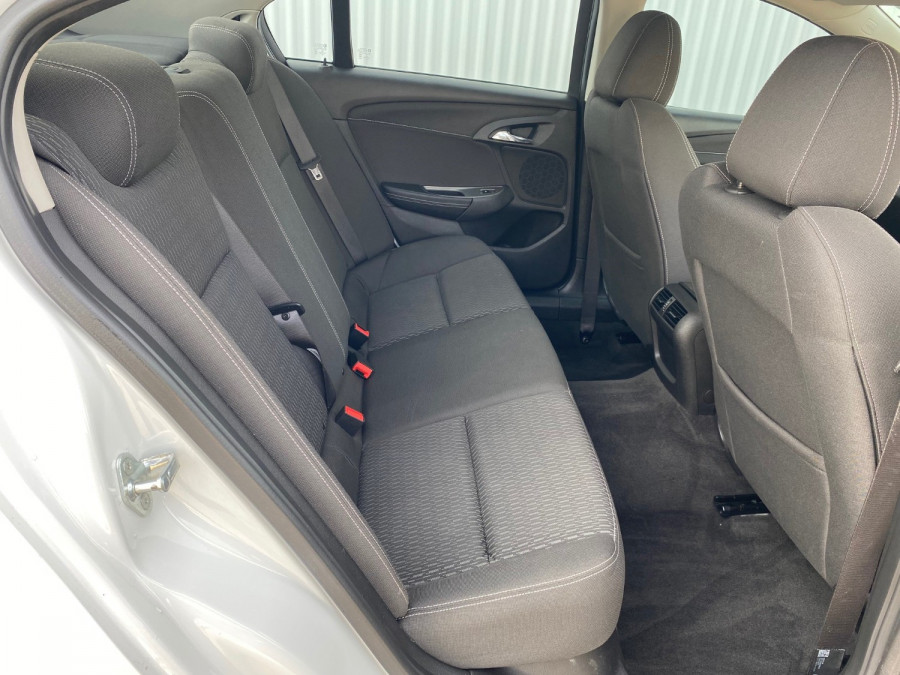 2017 Holden Commodore VF II Evoke Sedan Image 8