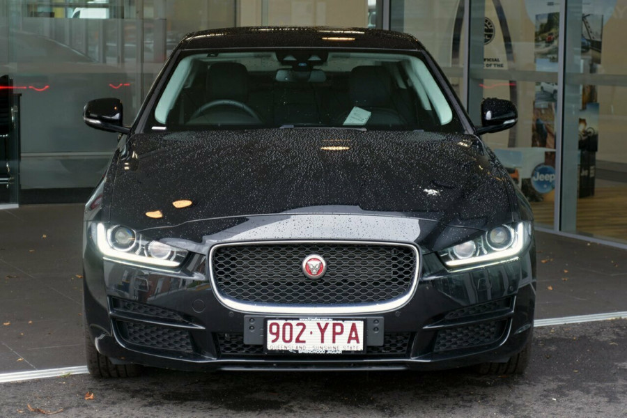 2016 MY17 Jaguar Xe X760 MY17 20d Sedan Mobile Image 3