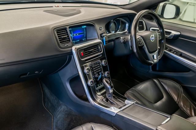 2016 MY17 Volvo S60 F Series T6 R-Design Sedan Image 25